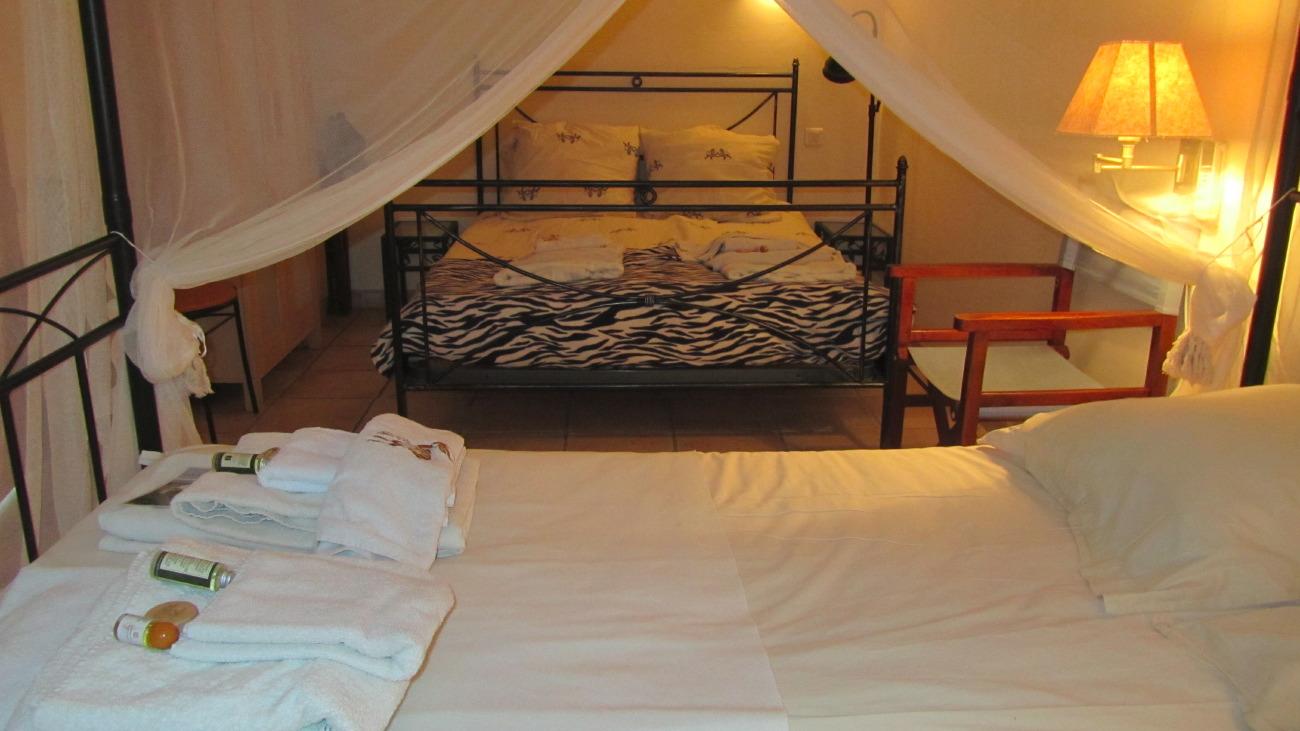 room-5-2-beds
